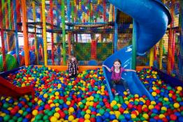 Bielsko-Biała Atrakcja Sala | plac zabaw Kraina Kropka